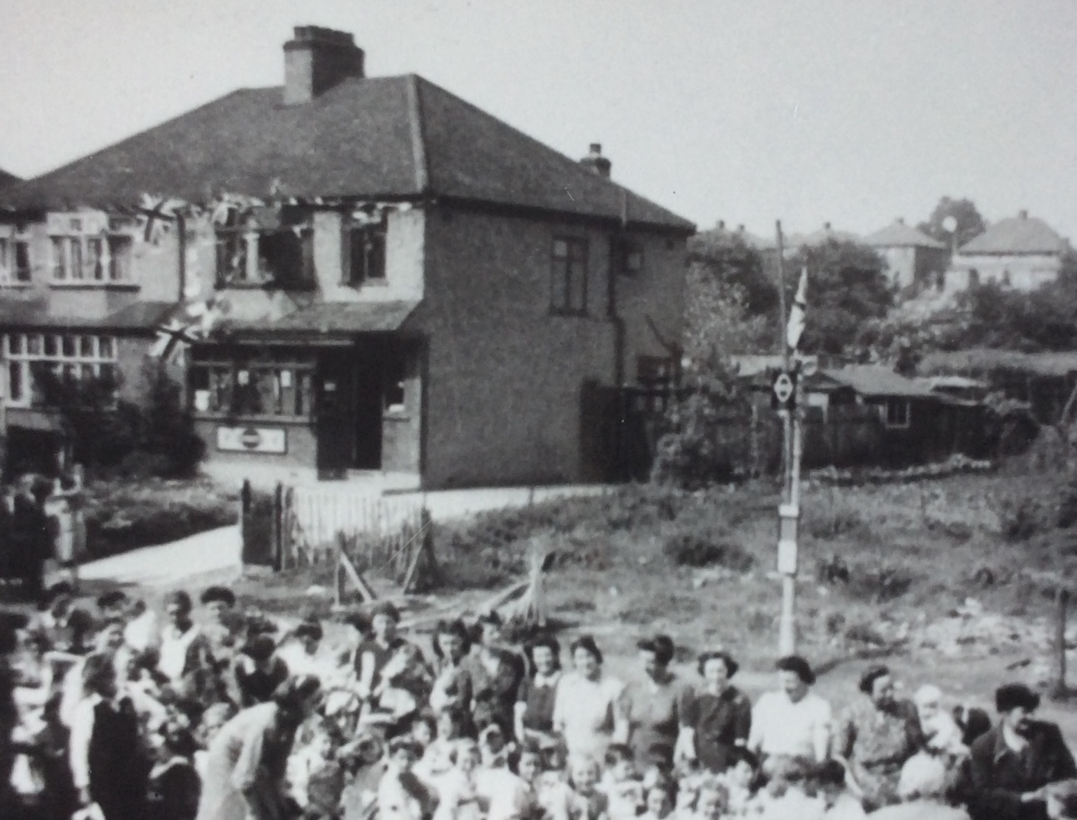 VE-Day-1945-next-to-site-of-George-pub.jpg